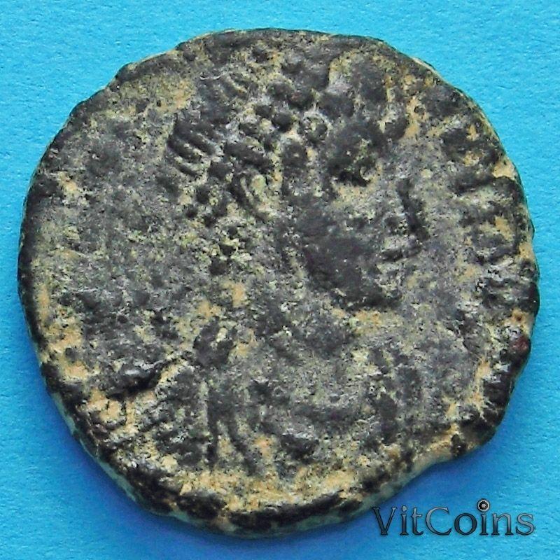 Монета Римская империя, Грациан 367-383 год. Император с пленником.
