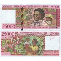Мадагаскар 25000 франков 1998 г.