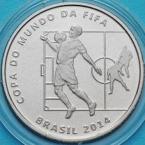 Бразилия 2 реала 2014 год. Приём мяча на грудь.