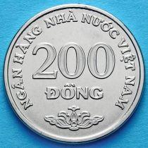 Вьетнам 200 донг 2003 год.